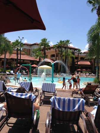 Floridays Resort Orlando: Chilling and relaxing at the Pool (Main Pool is Huge)