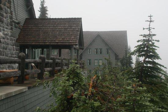 Paradise Inn at Mount Rainier: The side porch at the Inn