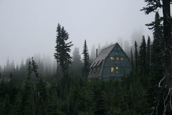 Paradise Inn at Mount Rainier : Early evening view of Guide House