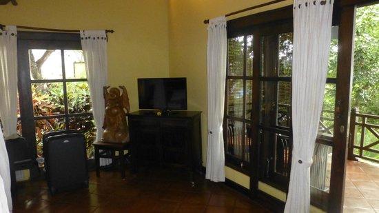 Puri Mangga Sea View Resort & Spa: Le coin TV