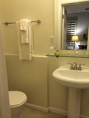 Venice On The Beach Hotel: Bathroom