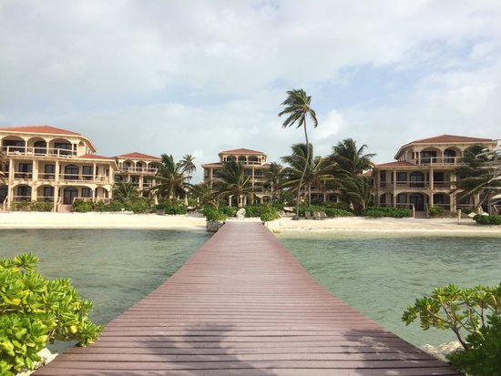 Coco Beach Resort: The view from the pier