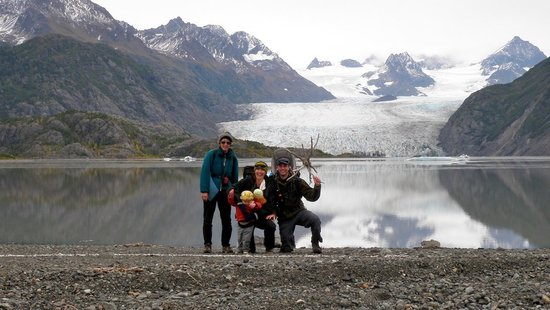 Kachemak Bay Wilderness Lodge: Grewingk Glacier Lake, one of many beautiful hiking destination options