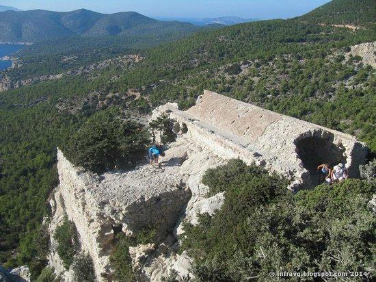 Monolithos Castle: Ruinas del castillo.