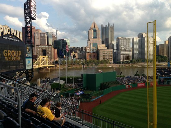 PNC Park : Pittsburgh city view