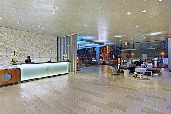 Shore Hotel: Lobby
