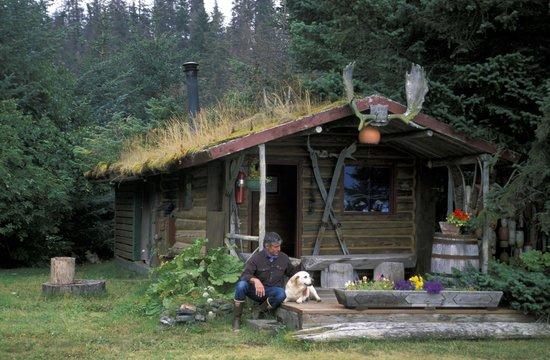 Kachemak Bay Wilderness Lodge: Michael McBride on the lodge sauna porch