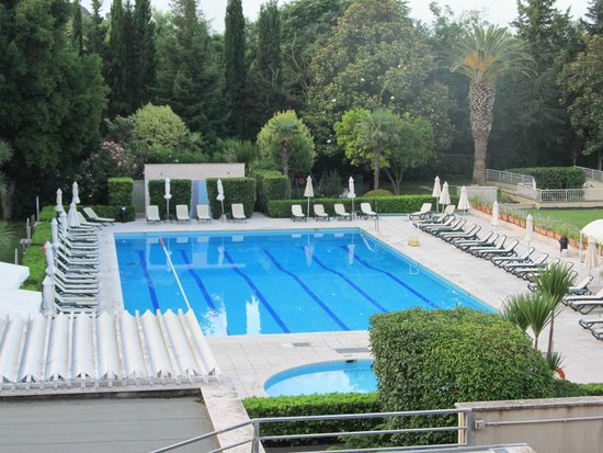 Crowne Plaza Rome - St. Peter's : Great clean pool and pool area