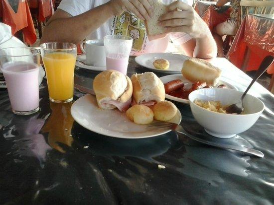 Pousada das Estrelas : Alguns itens do café da manhã