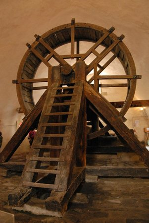 La Citadelle de Mont-Louis : Le puits des forçats, dans la citadelle.