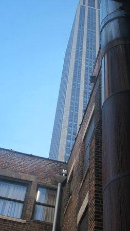 La Quinta Inn & Suites Manhattan: Partial ESB view from room 1113