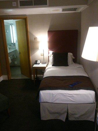Radisson Blu Portman Hotel, London : Room650 single