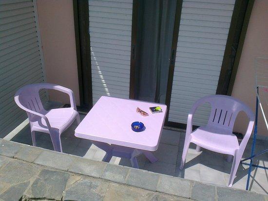 Sevi Apartments Kos: the patio