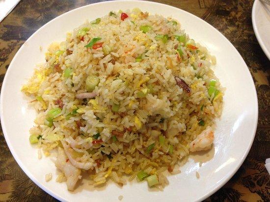 Man Chan Cuisine: Seafood Fried Rice海鮮炒飯