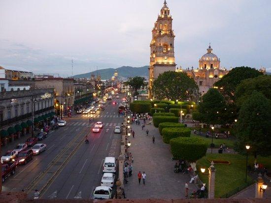 Hotel Virrey de Mendoza : VISTA DE LA PLAZA PRINCIPAL