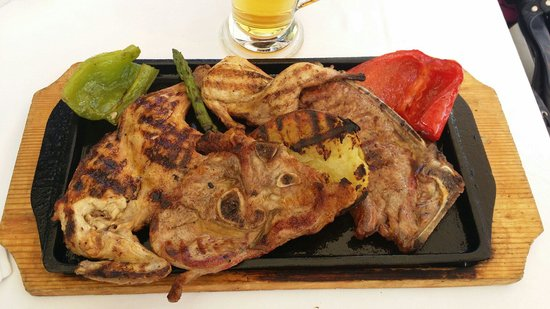 Emporda Restaurant: Plancha viandes