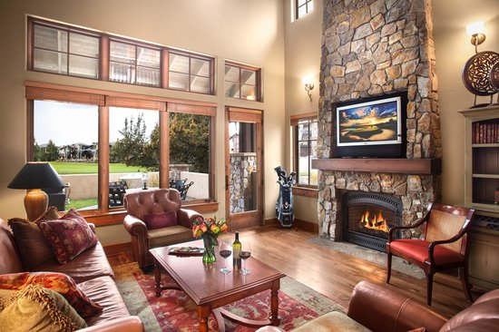 Pronghorn Resort: Living Room