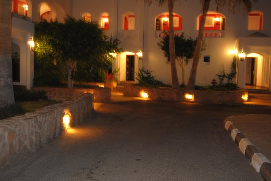 Domina Hotel & Resort Harem: Harem Deluxe at night - so beauty and romantic!
