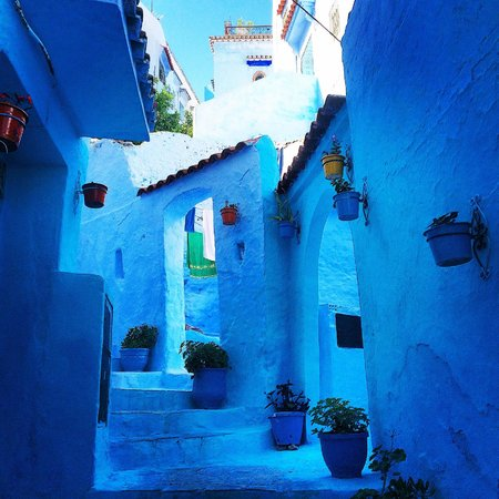 Dar Zambra: one of many blue streets surrounding hotel