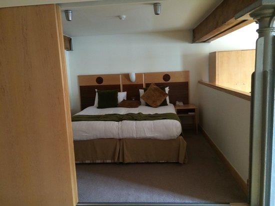 Hallmark Hotel Glasgow: Bed