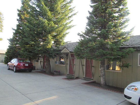 Alpine Motel: parking is close