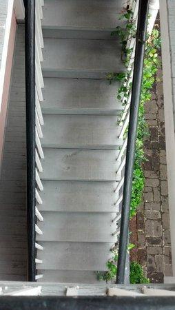 Palmer's Pinckney Inn: stairs