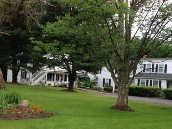 William Seward Inn : Lawn