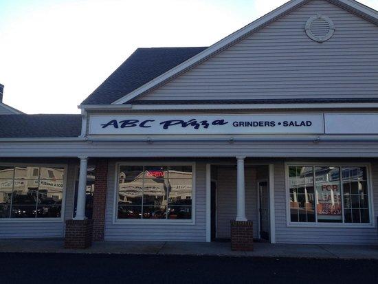 ABC Pizza House: Exterior