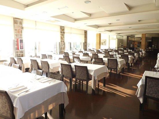 Sercotel Hotel & Spa La Collada : salle de restaurant