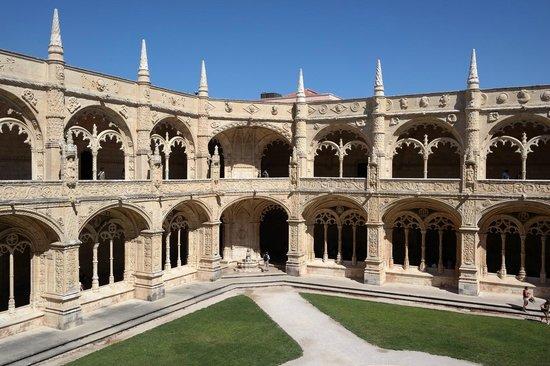 The Cloister of Jeronimos Monastery: Monastery from inside