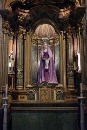 The Cloister of Jeronimos Monastery: Virgin Mary
