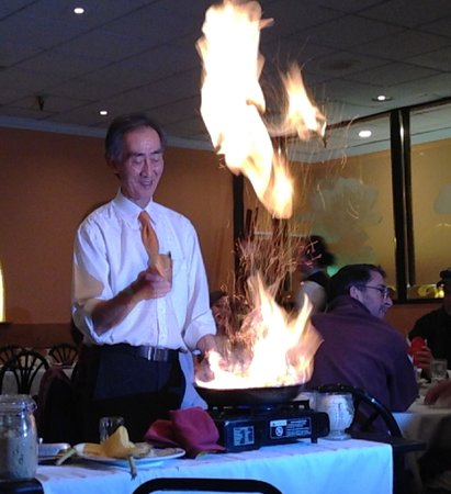 Cheng's Asian House: Spectacular Flaming Desserts