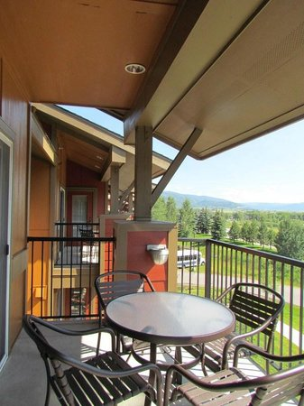 Wyndham Vacation Resorts Steamboat Springs: deck view in 2 bedroom deluxe
