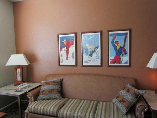 Wyndham Vacation Resorts Steamboat Springs: nice design with vintage posters