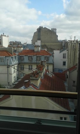 Hotel Jeanne d'Arc : view from room