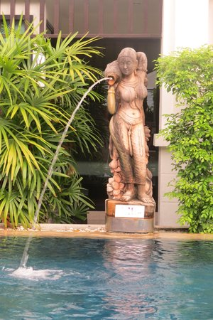 Avantika Boutique Hotel: The pool