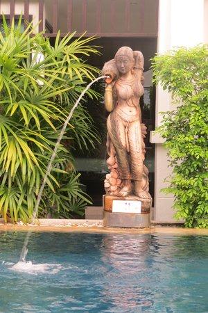 Avantika Boutique Hotel : The pool