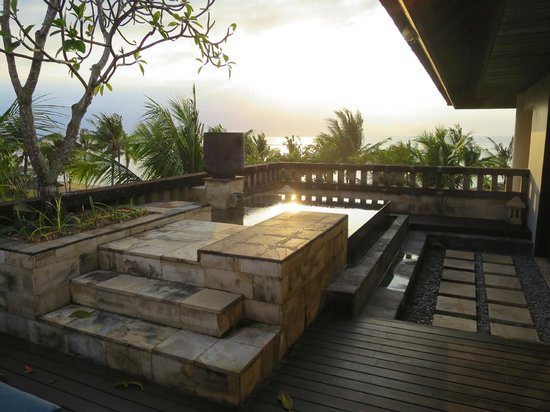 Conrad Bali : plunge pool on the balcony