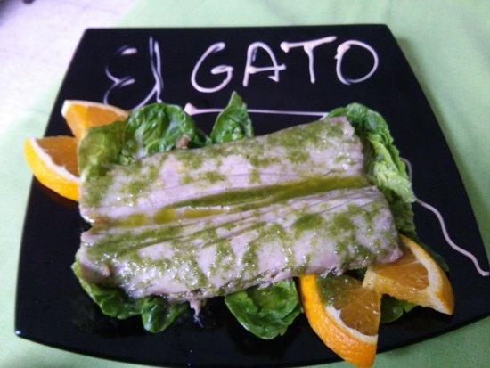 Meson El Gato : Doble tronco de morrillo de atún. Al horno y en papillote.