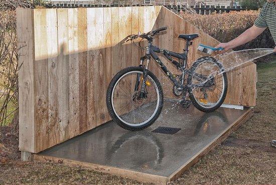Sport of Kings Motel: Mountain Bike Wash Down Area