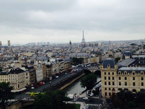 Tours de la Cathedrale Notre-Dame : Linda vista