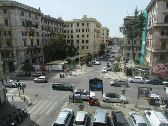 Hotel Beverly Hills Rome: View