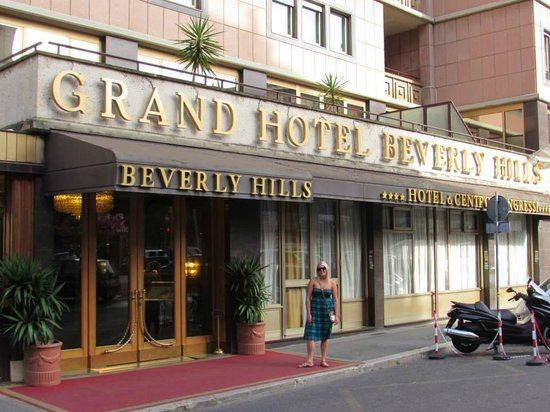 Hotel Beverly Hills Rome: Front