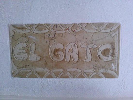 Meson El Gato: Curiosa y coqueta decoración. Confortable y acogedor.