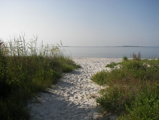 ‪‪Carrabelle Beach, an RVC Outdoor Destination‬: Beach path‬