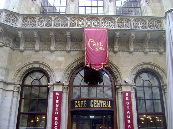 Cafe Central Wien: In Front of Cafe