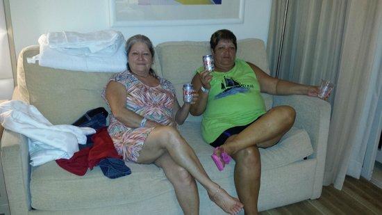 El Conquistador Resort, A Waldorf Astoria Resort: La familia refrescandose.