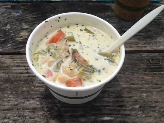 Cafe Aquatica: Clam chowder without croutons