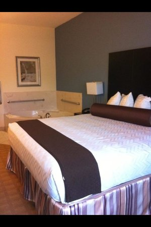 Best Western Plus Lytle Inn & Suites: Awesome Room!