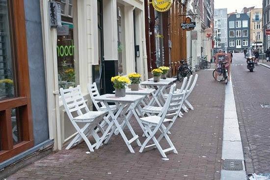 Las Nueve Calles: outdoor café